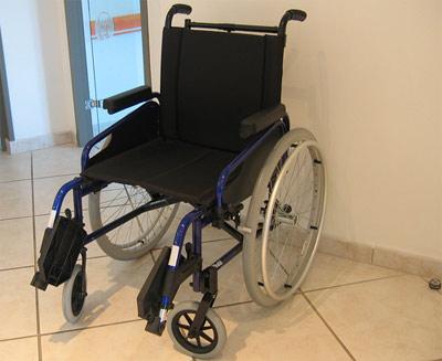Cabinet d 39 ophtalmologie dr muratet - Table pour fauteuil roulant ...